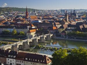 View from the 'Marienberg' Fortress over Wurzburg, 'Alte MainbrŸcke' (Bridge by Rainer Mirau