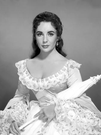https://imgc.allpostersimages.com/img/posters/raintree-county-1957-directed-by-edward-dmytryk-elizabeth-taylor-b-w-photo_u-L-Q1C16RS0.jpg?artPerspective=n