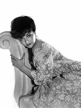 RALLY 'ROUND THE FLAG, BOYS !, 1959 directed by LEO McCAREY Joan Collins (b/w photo)