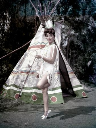 https://imgc.allpostersimages.com/img/posters/rally-round-the-flag-boys-1959-directed-by-leo-mccarey-joan-collins-photo_u-L-Q1C11U00.jpg?artPerspective=n
