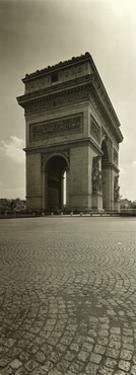 Paris, Arc de Triomphe by Ralph Uicker