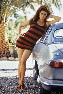 Raquel Welch (photo)
