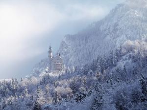Neuschwanstein Castle by Ray Juno