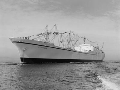 Cargo Ship Savannah by Ray Krantz