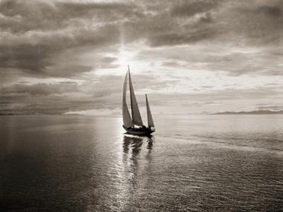 Diamond Head Yacht in Swiftsure Race by Ray Krantz
