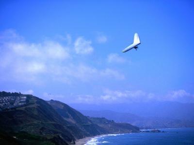 Hang Gliding at Fort Funston, San Francisco, California by Ray Laskowitz