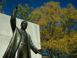 Bronze Statue of Theodore Roosevelt with Yellow Oak Leaves by Raymond Gehman