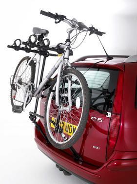 Rear mounted cycle rack