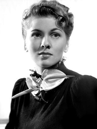 https://imgc.allpostersimages.com/img/posters/rebecca-joan-fontaine-1940_u-L-PH2WHR0.jpg?artPerspective=n