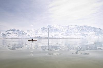 https://imgc.allpostersimages.com/img/posters/rebekah-richins-kayaking-in-the-great-salt-lake_u-L-Q1BB6BK0.jpg?p=0
