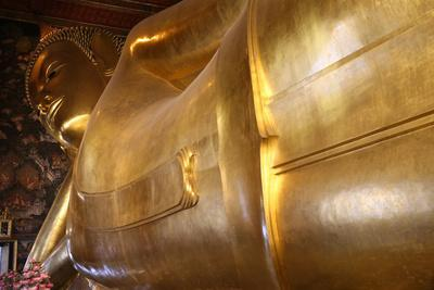 https://imgc.allpostersimages.com/img/posters/reclining-golden-buddha-45m-long-and-15m-high-wat-pho-temple-bangkok-thailand_u-L-Q1GYMHE0.jpg?artPerspective=n