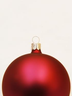 Red Christmas tree decorations