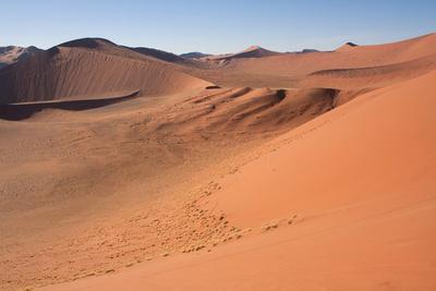 https://imgc.allpostersimages.com/img/posters/red-dunes-of-sossusvlei_u-L-Q104J7Y0.jpg?artPerspective=n