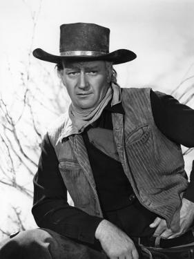 RED RIVER, 1948 directed by HOWARD HAWKS John Wayne (b/w photo)
