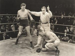 Referee Counting over Boxer in Ring