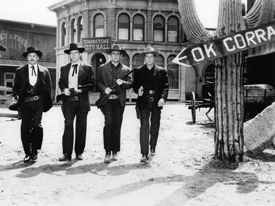 https://imgc.allpostersimages.com/img/posters/reglements-by-comptes-a-ok-corral-gunfight_u-L-Q1C46GM0.jpg?artPerspective=n