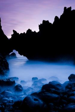 """Arch Stone in """"Los Hervideros"""", South West Lanzarote, Canary Islands, Spain, March 2009. Wwe Book by Relanzón"""