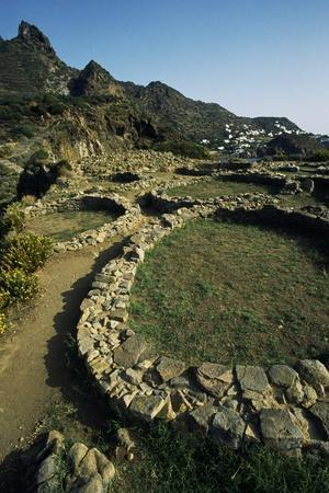 https://imgc.allpostersimages.com/img/posters/remains-of-oval-huts-prehistoric-village-of-punta-milazzese_u-L-PP3Z2U0.jpg?p=0