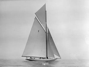 Resolute Sailing