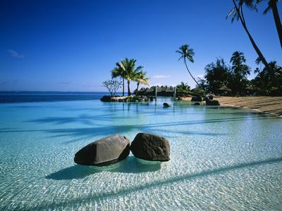 https://imgc.allpostersimages.com/img/posters/resort-tahiti-french-polynesia_u-L-PXU96D0.jpg?p=0