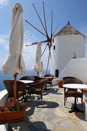 https://imgc.allpostersimages.com/img/posters/restaurant-deck-windmill_u-L-Q10PTAJ0.jpg?p=0