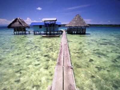 https://imgc.allpostersimages.com/img/posters/restaurant-over-the-water-bocas-del-toro-islands-panama_u-L-P2OW6G0.jpg?artPerspective=n