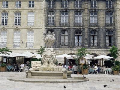 https://imgc.allpostersimages.com/img/posters/restaurants-in-bordeaux-aquitaine-france_u-L-P1TC9O0.jpg?p=0