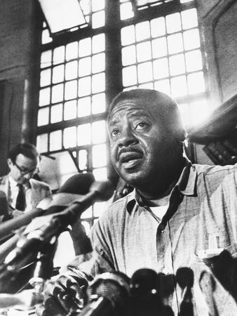 https://imgc.allpostersimages.com/img/posters/rev-ralph-abernathy-leader-of-the-poor-peoples-campaign-held-a-press-conference-from-jail_u-L-Q10WWYH0.jpg?p=0