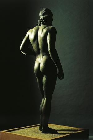 https://imgc.allpostersimages.com/img/posters/riace-bronzes-statue-of-younger-from-greece-and-recovered-from-waters-off-riace-marina_u-L-PRBP460.jpg?artPerspective=n