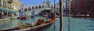 Rialto Bridge over the Grand Canal, Venice, Veneto, Italy