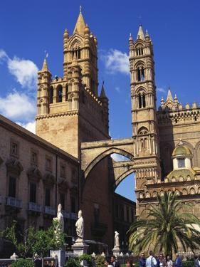 Palazzo Arcivescovile, Palermo, Sicily by Richard Ashworth
