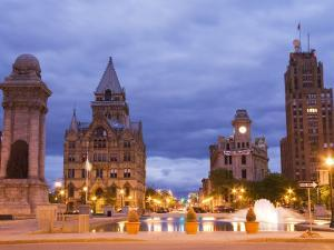 Clinton Square, Syracuse, New York State, United States of America, North America by Richard Cummins