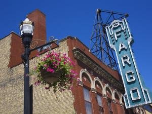Fargo Theatre on Broadway Street, Fargo, North Dakota, United States of America, North America by Richard Cummins