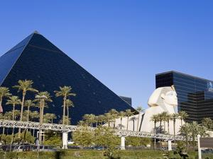 Luxor Hotel and Casino, Las Vegas, Nevada, United States of America, North America by Richard Cummins