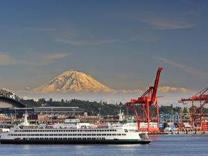 Ferry Leaving Seattle, Seattle, Washington, USA by Richard Duval