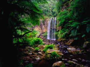 Hopetoun Falls by Richard l'Anson