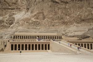 Deir-El-Bahri (Hatshepsut's Temple), West Bank Thebes, Egypt, North Africa, Africa by Richard Maschmeyer