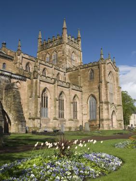Dunfermline Abbey, Dunfermline, Fife, Scotland, United Kingdom, Europe by Richard Maschmeyer