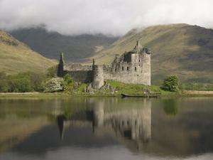 Kilchurn Castle, Near Loch Awe, Highlands, Scotland, United Kingdom, Europe by Richard Maschmeyer