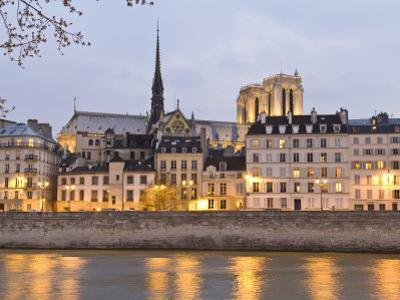 Ile De La Cite, and it's Reflection in the Seine River by Richard Nowitz