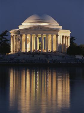 Jefferson Memorial, Night View by Richard Nowitz