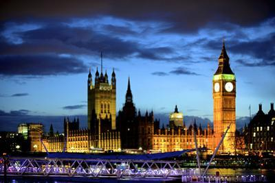 Big Ben and the Houses of Parliament, Thames River, London, England by Richard Wright