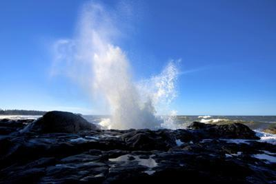 Blow Hole Catapult Surge, Tow Hill, Naikoon Provincial Park, Haida Gwaii by Richard Wright