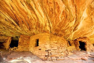 Mule Canyons House on Fire Ruin, Anasazi Ruins, Cedar Mesa, Utah by Richard Wright