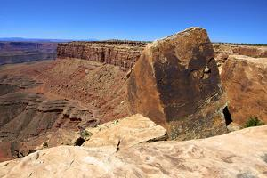 Muley Point, Highway 261, Utah. Cube Fracture Rock Formation by Richard Wright