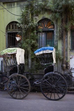 https://imgc.allpostersimages.com/img/posters/rickshaw-on-the-street-kolkata-calcutta-west-bengal-india-asia_u-L-PXX0200.jpg?p=0
