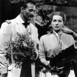 RIO GRANDE, 1950 directed by JOHN FORD John Wayne and Maureen O'Hara (b/w photo)