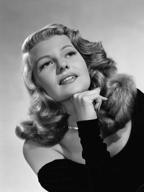 RITA HAYWORTH, 1952 (b/w photo)
