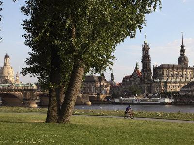 https://imgc.allpostersimages.com/img/posters/river-elbe-hofkirche-castle-and-frauenkirche-dresden-saxony-germany_u-L-P91D5B0.jpg?p=0