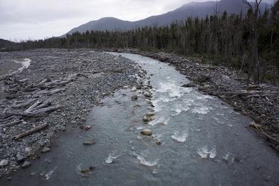 https://imgc.allpostersimages.com/img/posters/river-in-the-andes-destruction-caused-by-earthquake-patagonia-chile_u-L-PWFCIQ0.jpg?p=0